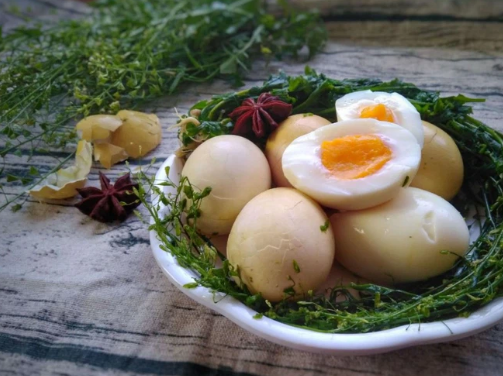Cách bảo quản qua đêm 5 loại thực phẩm quen mặt ngày Tết, nếu làm sai có thể gây hại cho sức khỏe - Ảnh 4