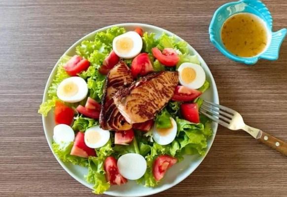 Ăn sáng nhiều, ăn tối ít có thực sự giúp bạn giảm cân không? - Ảnh 2
