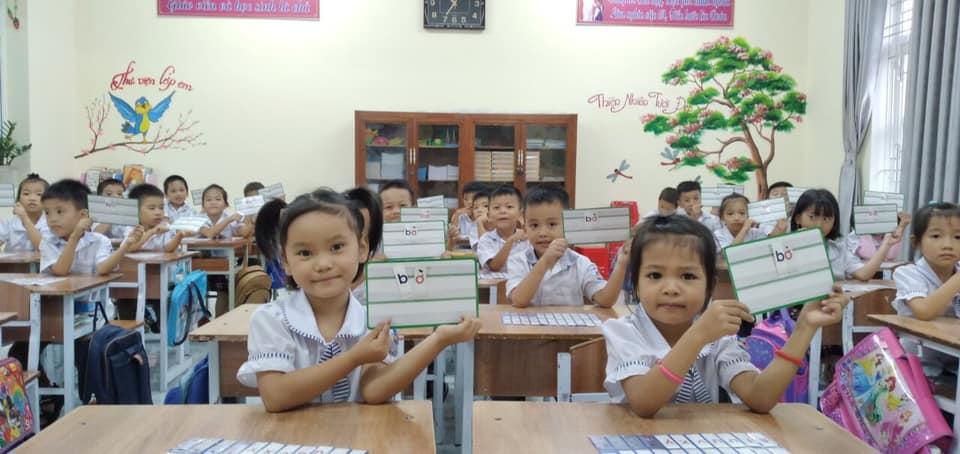 Bộ GD&ĐT phản hồi về nội dung chưa phù hợp trong SGK môn Tiếng Việt lớp 1 - Ảnh 1