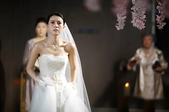 Nghe tình cũ của vợ tương lai 'thủ thỉ', chú rể tuyên bố hủy hôn ngay giữa đám cưới, để rồi phải day dứt khôn nguôi vì hối hận - Ảnh 1