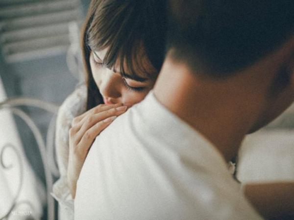 5 ngày sau khi ở viện về, nhìn vợ với chiếc bụng bầu giả to vượt mặt mà tôi đau quặn lòng - Ảnh 1