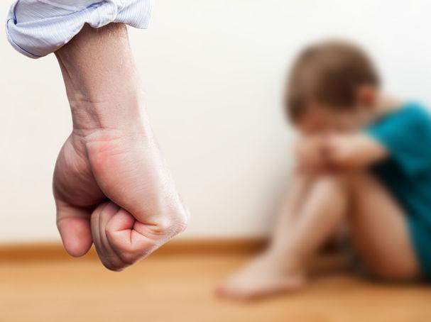 Dùng đòn roi trừng phạt sẽ tàn phá nghiêm trọng sức khỏe tâm thần của trẻ nhỏ, hậu quả bố mẹ không lường hết được - Ảnh 2