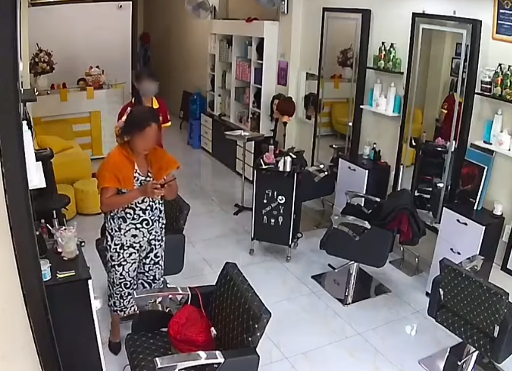 Người phụ nữ đến salon làm tóc dở, xin ra ngoài rồi đi mất hút khiến tiệm phải đăng tin 'tìm người thân' - Ảnh 3