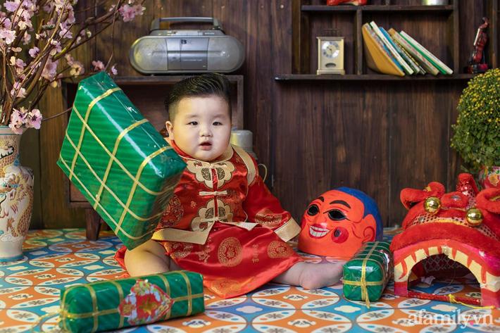 Bộ ảnh Tết của bé trai 1 tuổi gây sốt MXH vì đáng yêu 'phát hờn': Nhìn thôi đã thấy năm mới vui vẻ, khỏe mạnh, sung túc đủ đầy rồi! - Ảnh 8