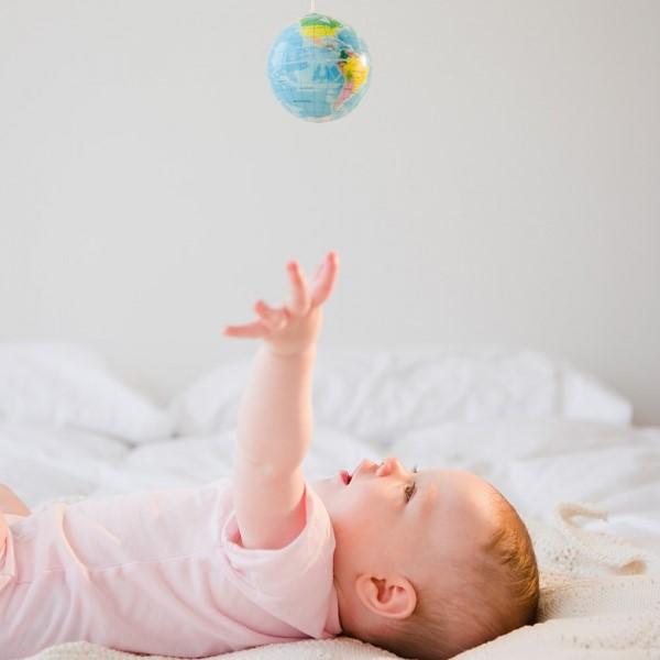 8 dấu hiệu sớm từ khi chào đời cho thấy con bạn là đứa trẻ cực thông minh - Ảnh 2