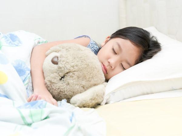 Bác sĩ Nhi cảnh báo căn bệnh dễ tử vong ở trẻ em, sắp vào mùa dịch: Cha mẹ nắm lấy để cứu con