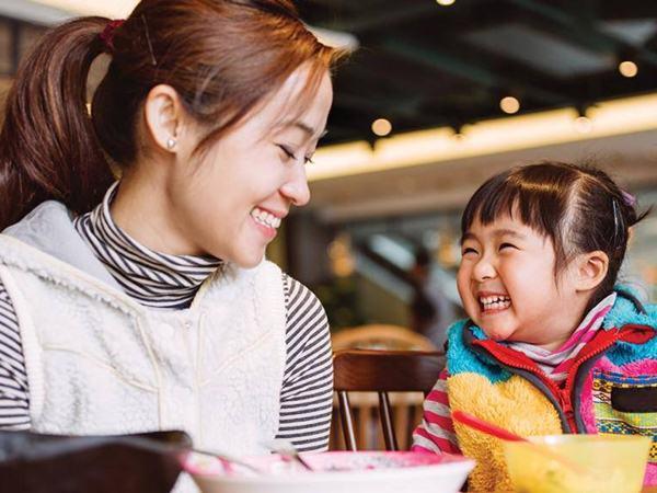 Bật mí chiêu để cha mẹ giao tiếp với con hiệu quả