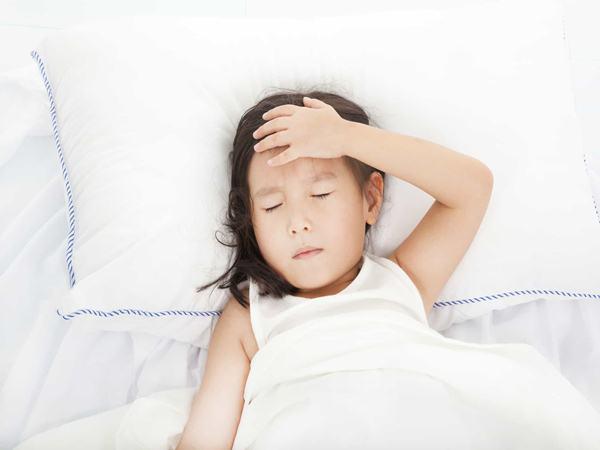"""Bố mẹ nuôi con nhỏ phải """"nằm lòng"""" những loại bệnh trẻ em thường mắc phải dưới đây"""