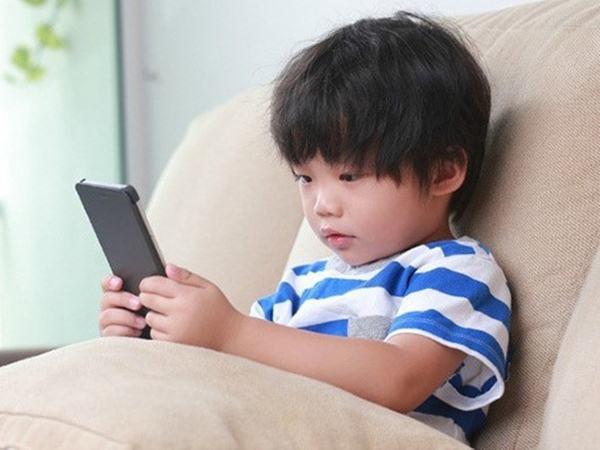 """Cách giúp con """"cai nghiện"""" mạng xã hội, thiết bị công nghệ"""