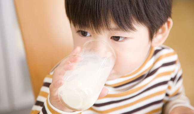Cảnh báo: Với trẻ sơ sinh, chỉ cho uống 1 ngụm nước cũng có thể nguy hiểm tới tính mạng! - Ảnh 4