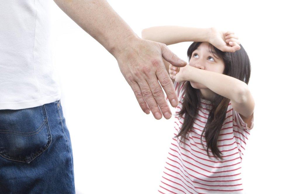 Chuyên gia trẻ em cảnh báo: Chỉ một lần đánh đòn con cũng để lại những hậu quả lâu dài