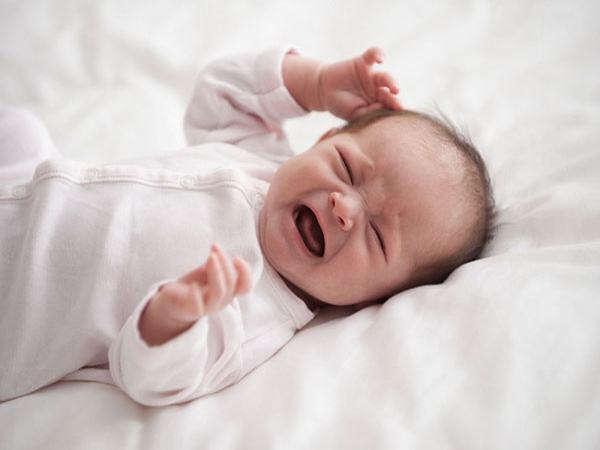 Có nên cho trẻ sơ sinh nằm võng không?