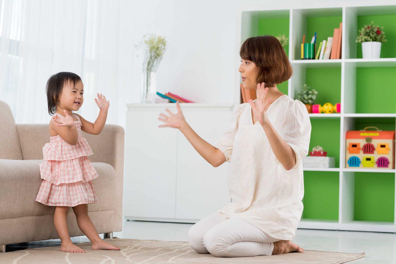 Đã tìm ra lý do của việc trẻ con đang ngoan cứ thấy mẹ là quấy
