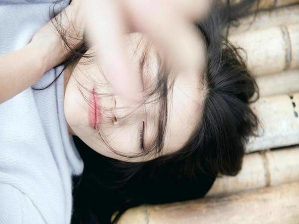 Đàn bà khổ quá thì hãy tự lau nước mắt rồi rời khỏi người đàn ông đã làm mình đau