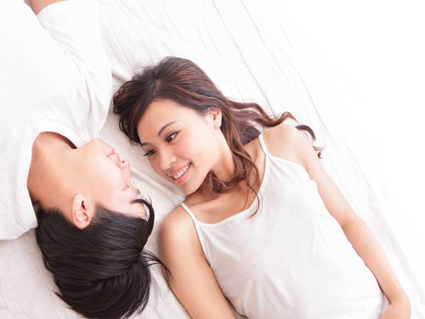 Đàn ông yêu thật lòng sẽ có những hành động này sau khi 'lên giường' với bạn