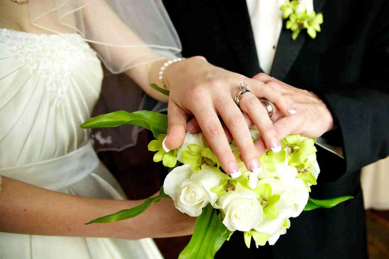 Đạo nghĩa vợ chồng: Hạnh phúc chỉ vẹn tròn khi một bàn tay nắm mãi một bàn tay