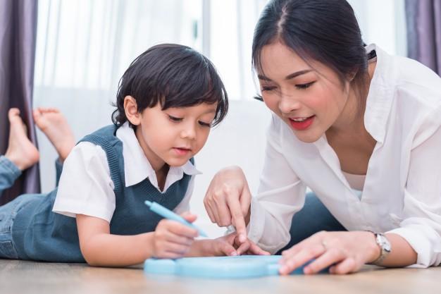 Dạy gì thì dạy, khi nuôi dạy con trai, bố mẹ cần tránh 3 câu nói này - Ảnh 1