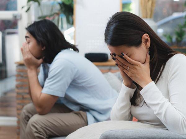 Đêm trước ngày ra tòa làm thủ tục ly hôn, vợ bỗng xuất hiện trước cửa nhà tôi với đôi mắt đỏ hoe và bật khóc thì thào lời xin lỗi