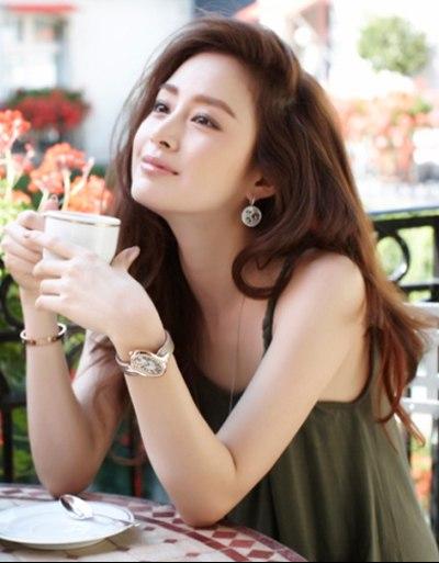 Giá như phụ nữ có thể mãi đẹp như tuổi 20 và khôn ngoan như tuổi 30 - Ảnh 1