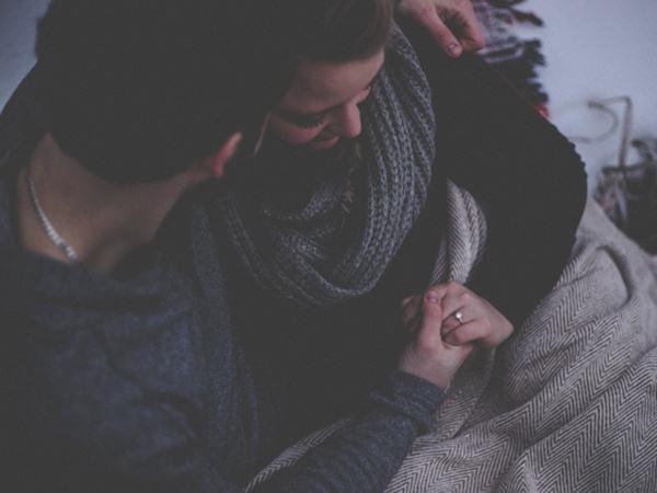 Gửi chồng ngoại tình: Em chịu đựng đủ rồi, chúng ta ly hôn thôi
