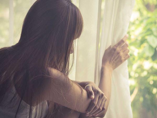 Gửi những người phụ nữ còn đang loay hoay trong khổ đau: Cuộc đời ngắn, đừng nghĩ dài!