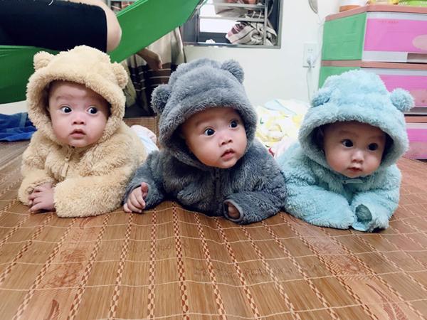 Hé lộ cuộc sống bỉm sữa của gia đình sinh ba: 2 tháng đầu gần như thức trắng đêm, mỗi tháng tốn 30 triệu nuôi con