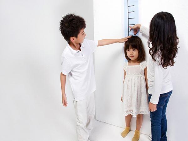 Khi chiều cao không thay đổi, hãy nghĩ đến con thiếu hormone tăng trưởng!