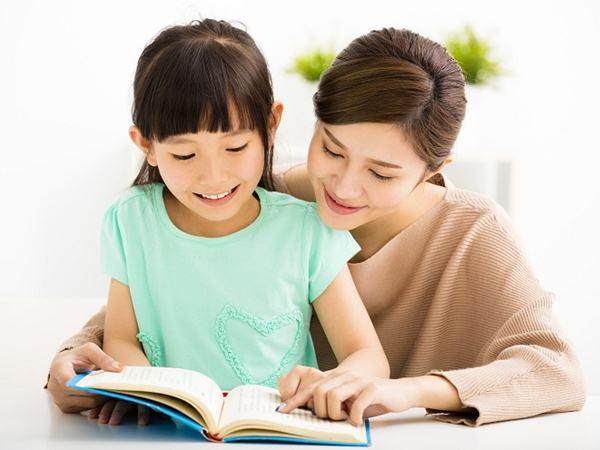 """Không cần phải gào thét khản giọng, bố mẹ thông minh hãy áp dụng ngay chiêu """"tâm lý ngược"""" giúp nuôi dạy con nhàn tênh"""
