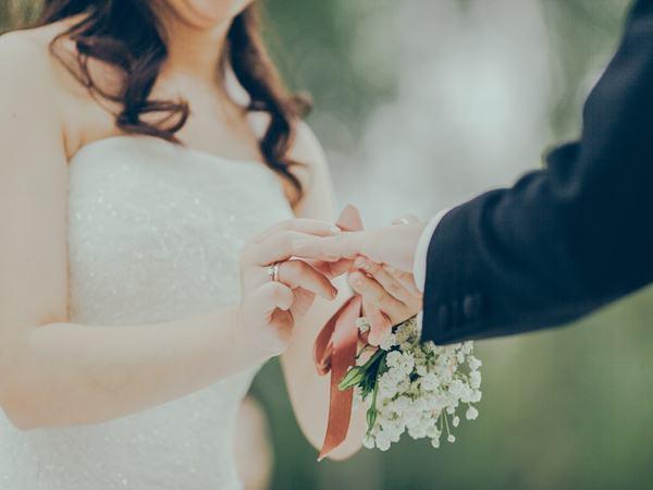 Không phải tình yêu, đây mới là những yếu tố giữ lửa hôn nhân hiệu quả nhất