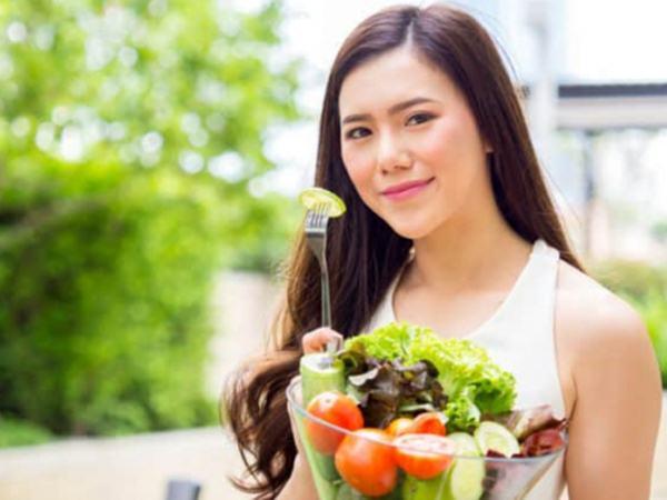 Mẹ bầu nên ăn uống bổ sung gì trong 3 tháng đầu?