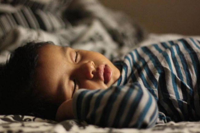 Muốn con lớn lên có khả năng nhận thức vượt trội, chỉ cần tạo lập cho trẻ 3 thói quen này hàng ngày - Ảnh 2