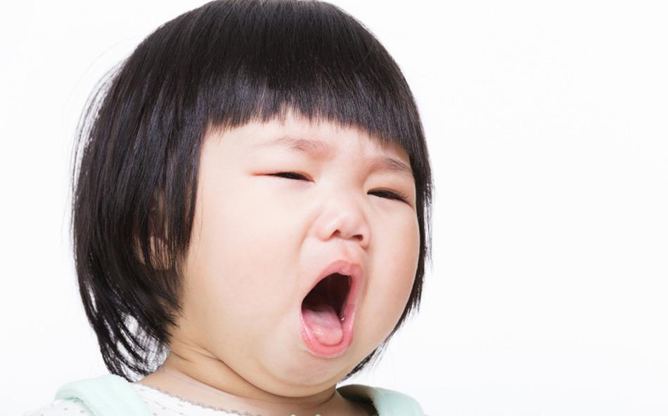 Người trông trẻ chữa ho bằng phương pháp dân gian, bé 7 tháng tuổi bị bỏng nặng phải nhập viện