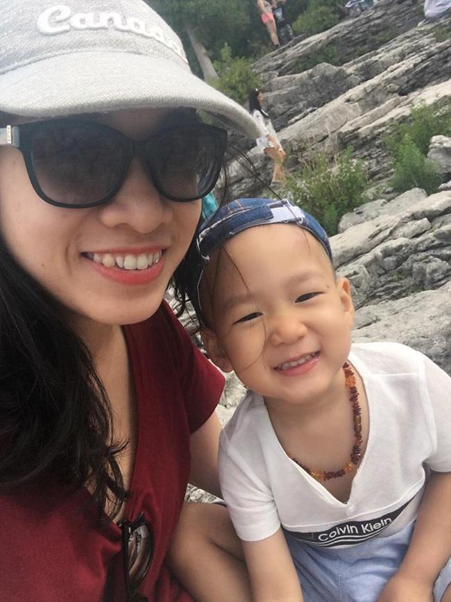 Nhờ làm việc này từ khi mới sinh, mẹ Việt ở Canada luyện con ngủ xuyên đêm từ 6 rưỡi tối hôm trước - Ảnh 1