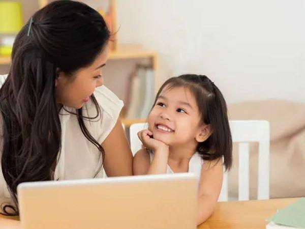 """Những câu hỏi hóc búa của trẻ thường khiến bố mẹ """"đứng hình"""" nay được trả lời dễ dàng nhờ gợi ý của chuyên gia"""