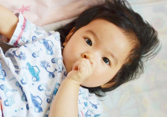 Những thói quen tưởng vô hại nhưng nếu không điều chỉnh sớm sẽ khiến răng trẻ xô lệch, khấp khểnh - Ảnh 2