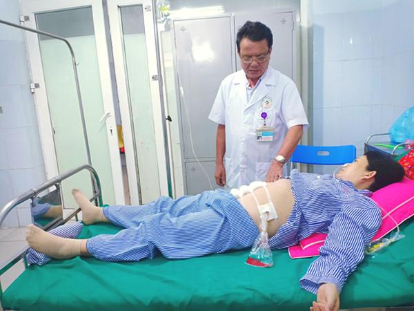 Sản phụ bị vỡ tử cung do nhau cài răng lược