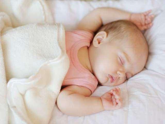 Tập cho trẻ sơ sinh giấc ngủ ngoan