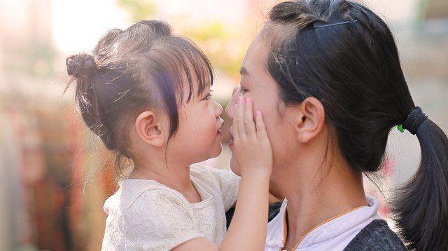 Thay vì bắt con nói lời xin lỗi, đây mới là việc quan trọng bố mẹ cần dạy con - Ảnh 2