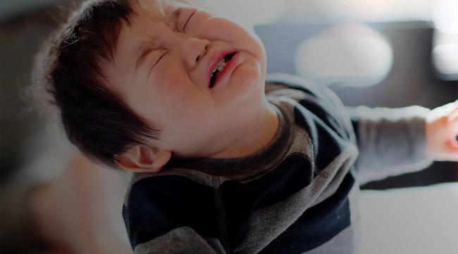 Thói quen tưởng vô hại của cha mẹ nhưng lại biến con trở thành đứa trẻ hư - Ảnh 1