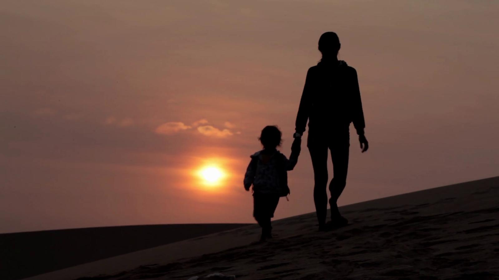 Thư gửi con của mẹ đơn thân: Mẹ sẽ mạnh mẽ để con trưởng thành trong bình yên! - Ảnh 1
