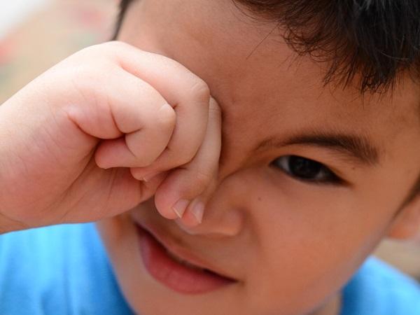 Trẻ bị đau mắt đỏ: 'Tất tần tật' về dấu hiệu, nguyên nhân, cách chăm sóc và phòng bệnh cho con cha mẹ nên biết