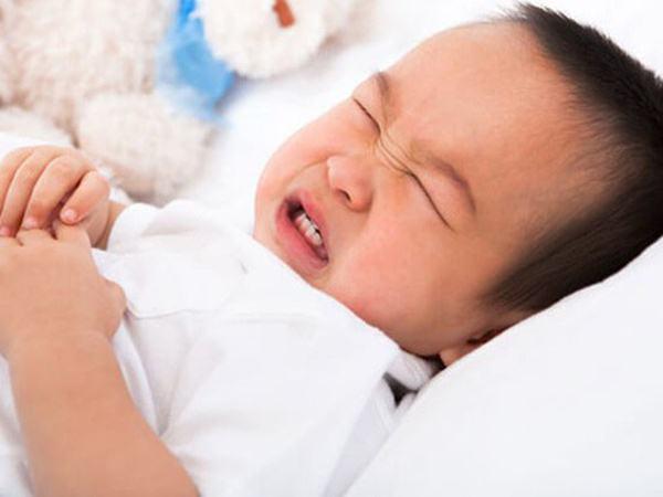Trẻ bị rối loạn tiêu hóa sau Tết, đây là điều cha mẹ nên làm
