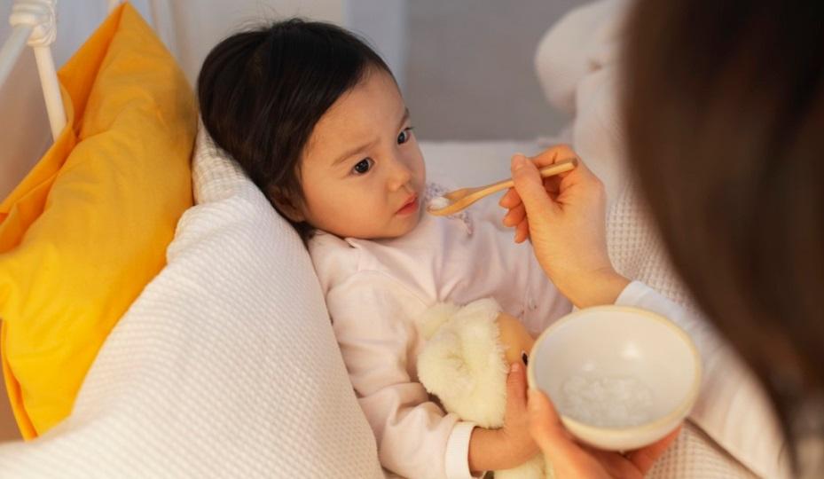 Tưởng con chỉ bị cảm cúm thông thường, mẹ không ngờ con mắc phải chứng bệnh thần kinh ảnh hưởng nghiêm trọng tới não bộ