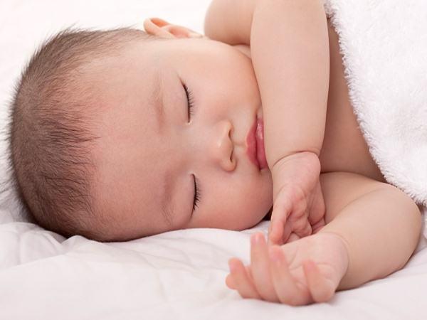 """""""Tuyệt chiêu"""" giúp bé ngủ trưa nhanh trong vòng một nốt nhạc, mẹ nào cũng nên biết để nhàn hạ hơn"""