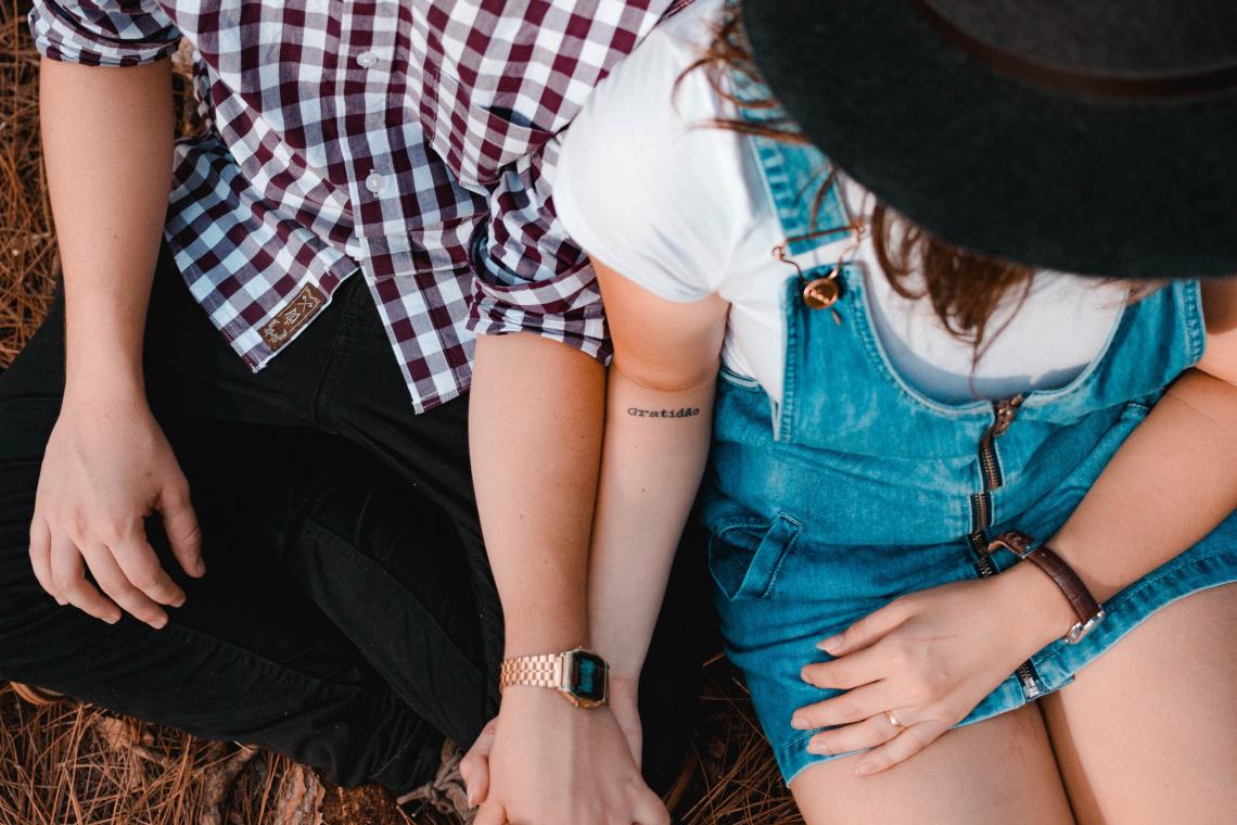 Yêu đàn ông có vợ: Dù chân thành nhưng vẫn là tình yêu trái khoáy - Ảnh 1