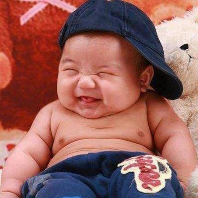 Những kiểu đùa nghịch nguy hiểm có thể 'đoạt mạng' trẻ sơ sinh mà nhiều bố mẹ Việt hay làm - Ảnh 1