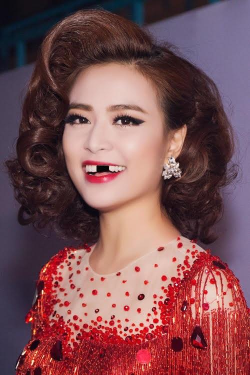 Trai xinh, gái đẹp showbiz Việt sẽ ra sao nếu một ngày bất ngờ… sún răng? - Ảnh 12