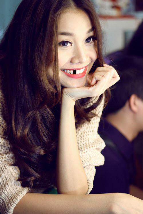 Trai xinh, gái đẹp showbiz Việt sẽ ra sao nếu một ngày bất ngờ… sún răng? - Ảnh 4