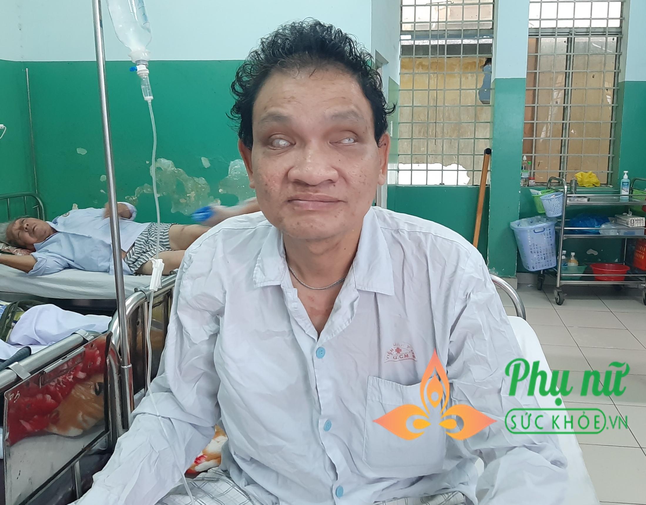 Thương tâm người đàn ông mù vô gia cư bị hoại tử chân, mong được bà con giúp đỡ