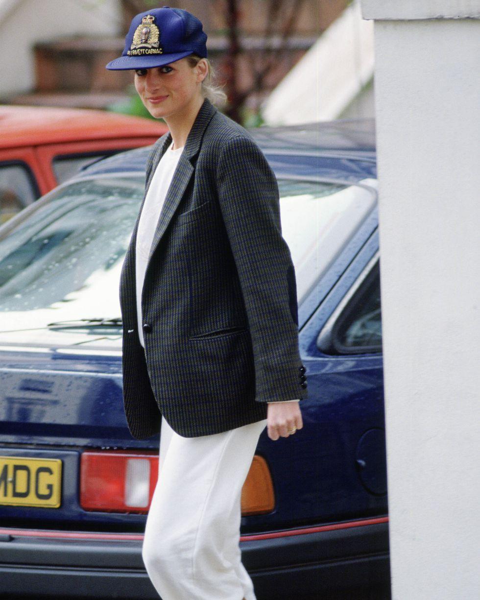 Học Công nương Diana 4 cách diện blazer vừa đơn giản lại chuẩn xịn y chang phong cách Hoàng gia - Ảnh 7